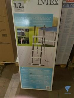 Лестница для бассейна с площадкой (122см)  Intex 28076 - фото 19860